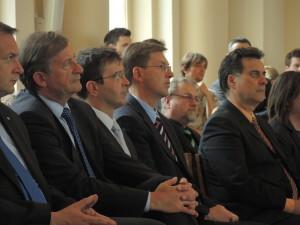 Predsednik vlade dr. Miro Cerar s svojimi ministri in predsednik državnega sveta Mitja Brvar